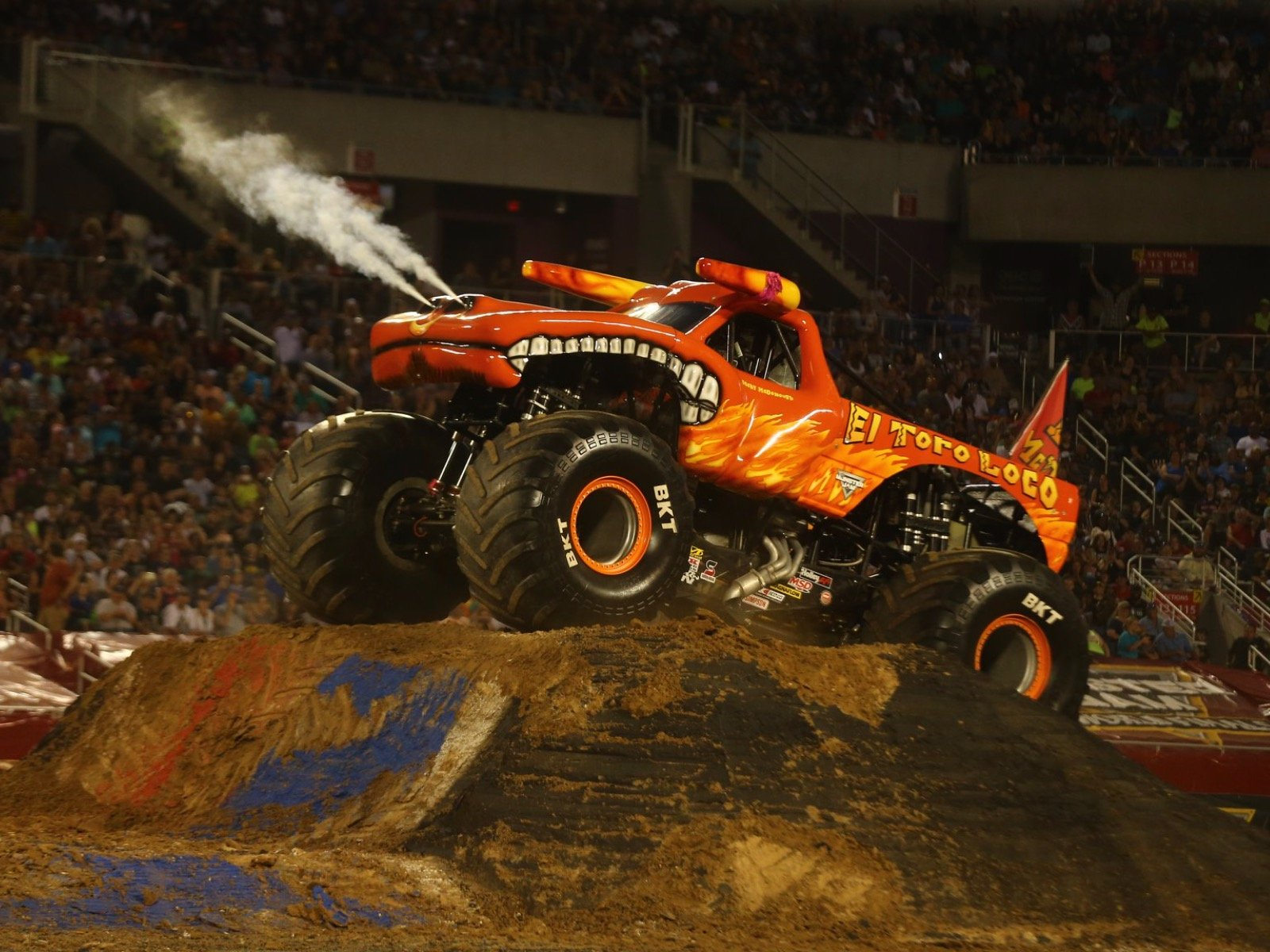 monster-jam-fiserv-forum-2020_fullsize_story1